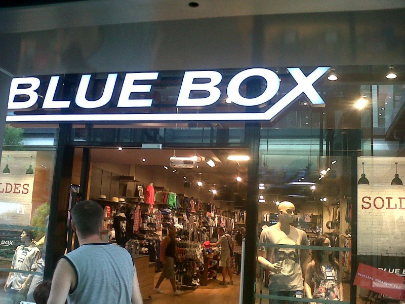 photo_blue_box